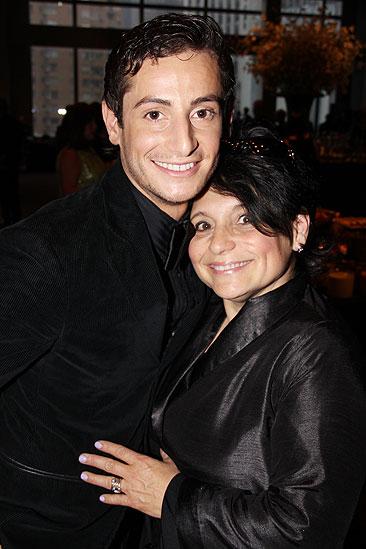 2011 Audience Choice Awards – Frankie Grande – mom