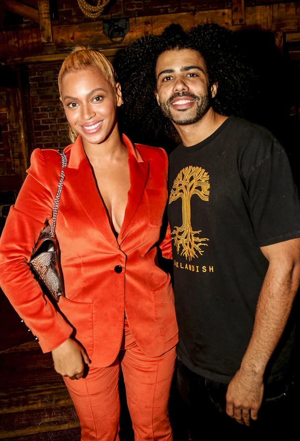 Hamilton - Backstage - 10/15 - Beyonce and Daveed Diggs